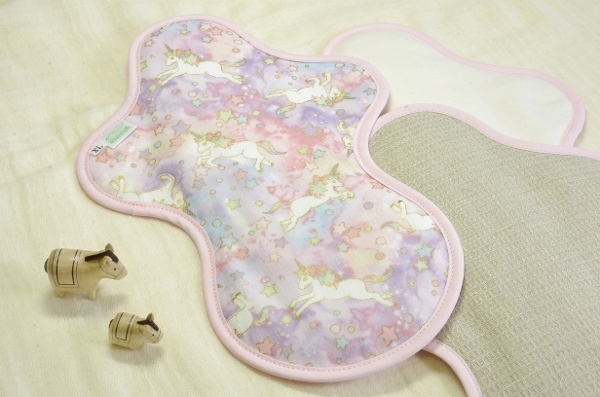 画像1: 布ナプキン一体型◆夜用◆ドリームユニコーン(春)ピンク (1)