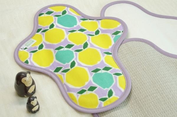 画像1: 布ナプキン一体型◆Lサイズ◆カクカクりんご(黄色) (1)