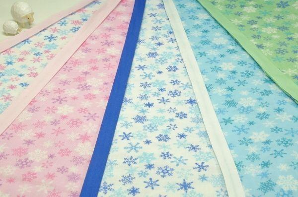 オフピンク<ピンク>、ピンク<ピンク>、オフブルー<ネイビー>、ブルー<白>、グリーン<うぐいす>